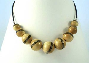 Black & Natural Single Striped Necklace